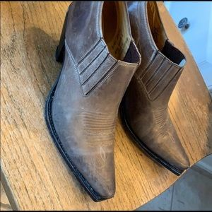 Shoes - Charlie 1 Horse by Lucchese